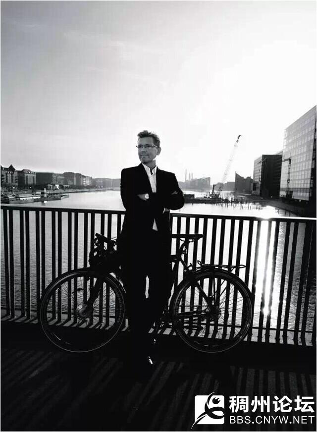 哥本哈根市长骑车上班