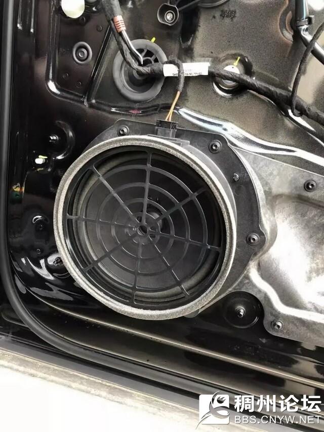4,原车的门板隔音措施也很欠缺.jpg