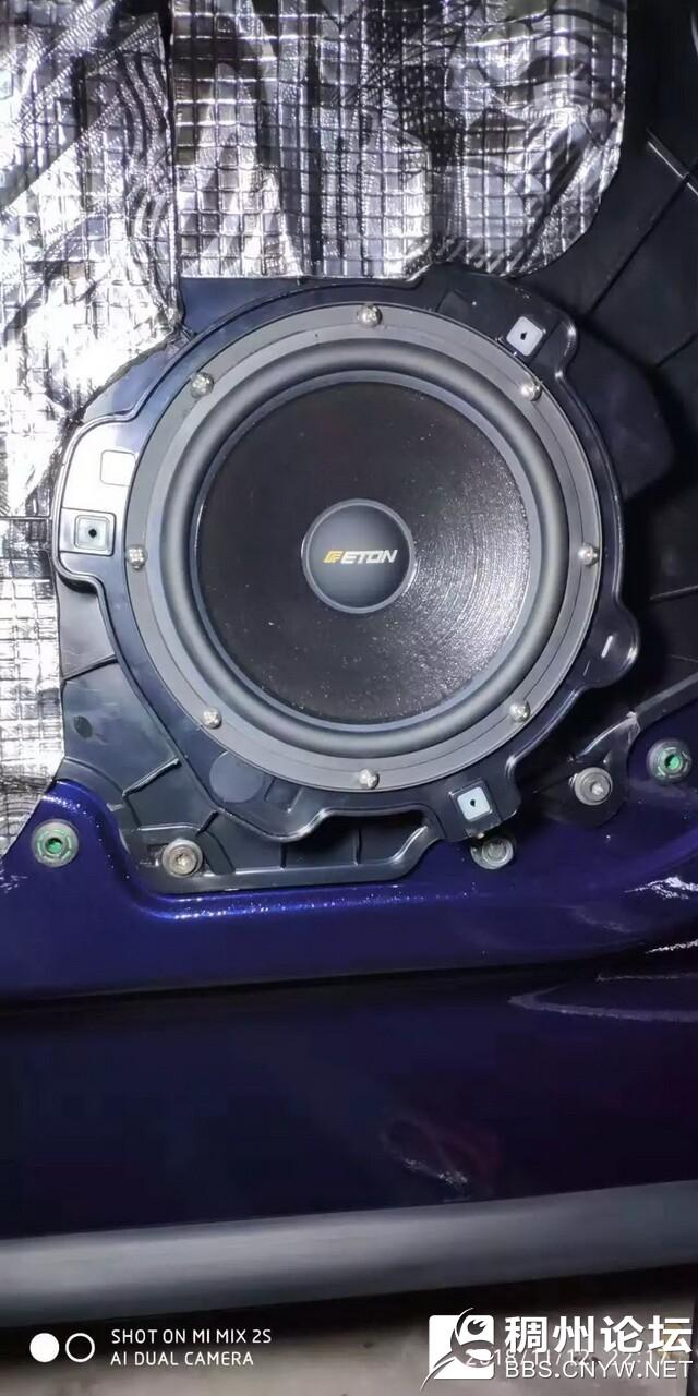 8,德国伊顿POW172.2套装中低音单元安装在后门板.jpg